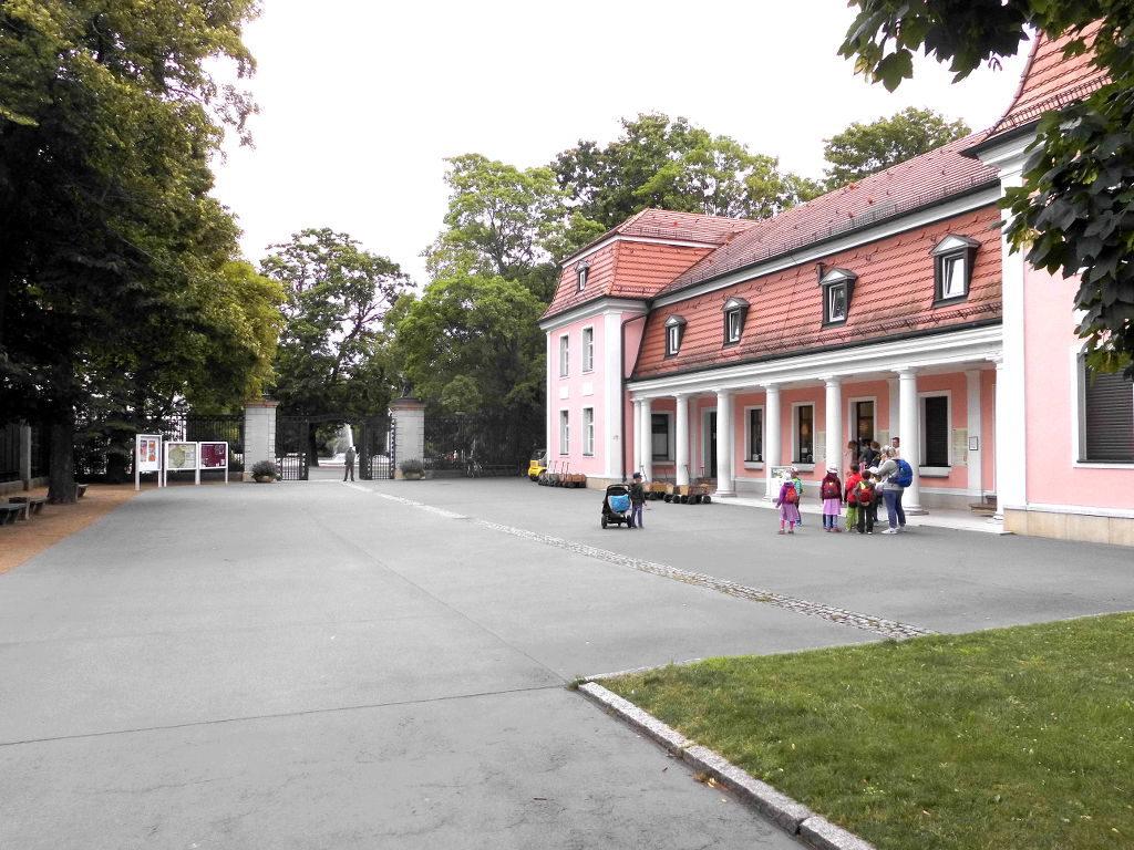alter Haupteingang vom Tierpark Berlin